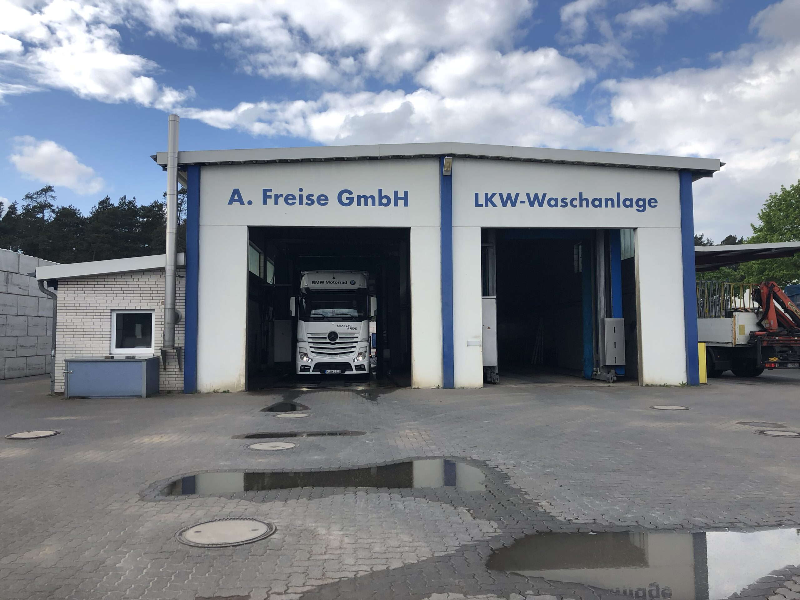 LKW- und Wohnwagen Waschanlage