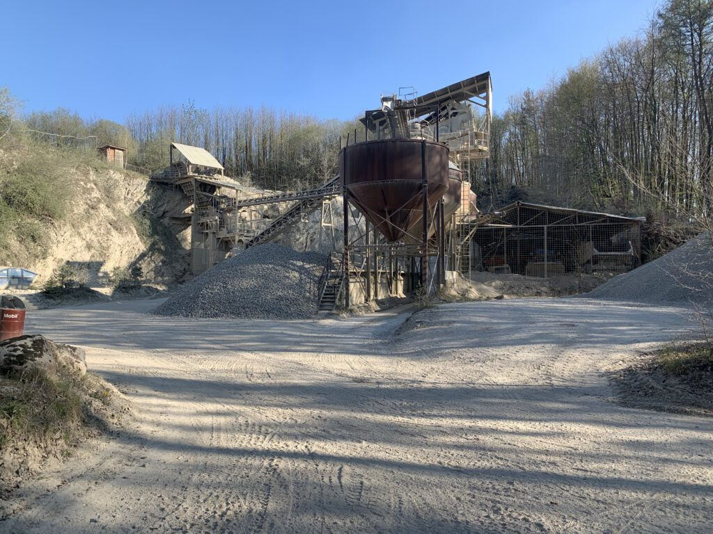 Schotterwerk und Bodendeponie